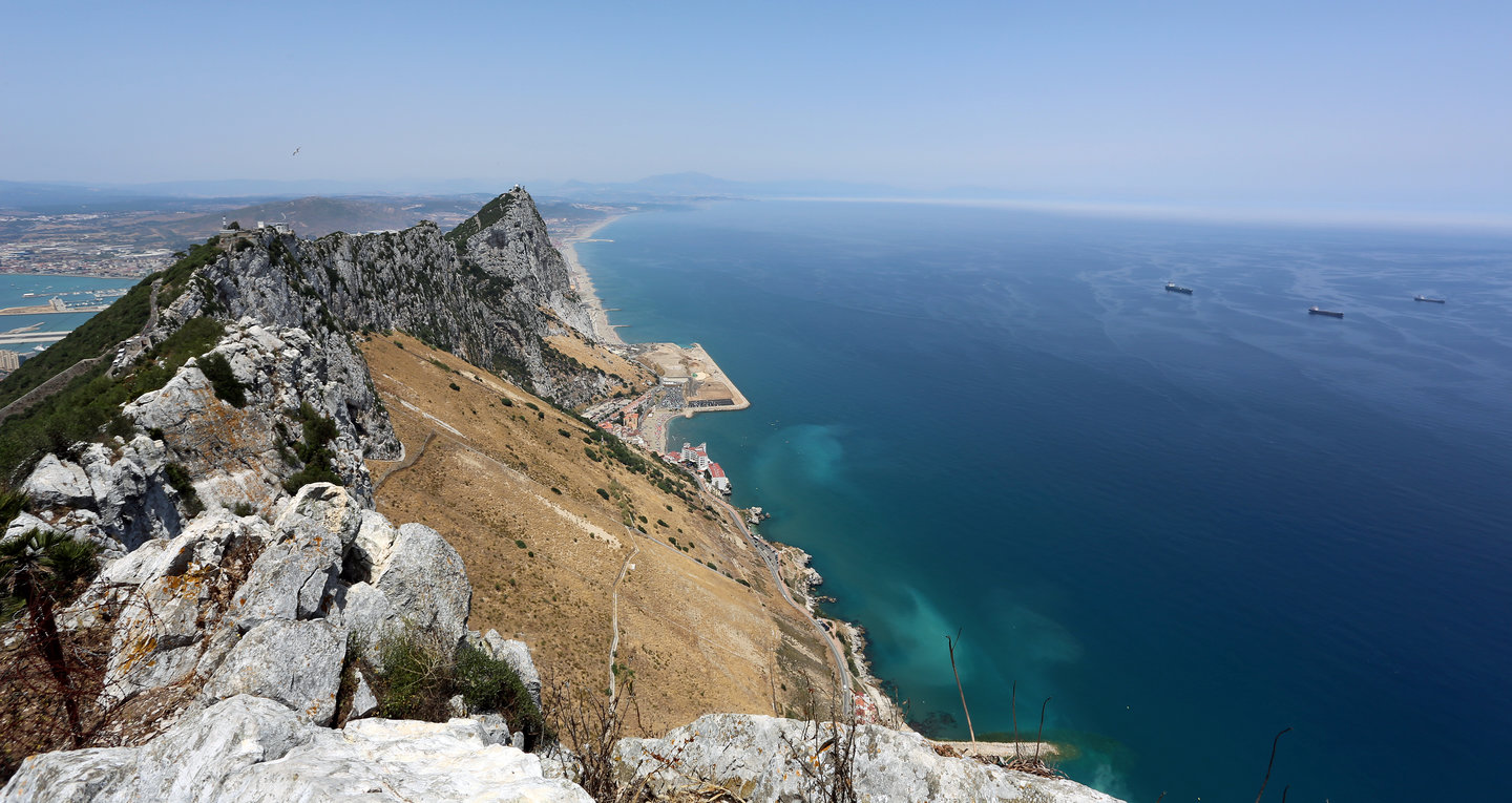 rsz_rock_of_gibraltar_great_gibraltar_sand_dune_and_spain_viewed_from_breakneck_battery_gibraltar